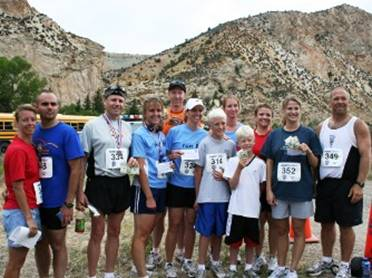 Summit Running Club poses after their participation in the 2006 Tower Rock Run